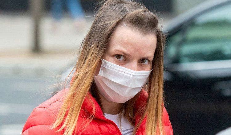 O româncă din Marea Britanie, condamnată la închisoare pentru că a pus detergent în cafeaua șefei sale! De ce a recurs la acest gest?