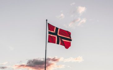 Norvegia impune măsuri dure de carantinare în Oslo după focarul cu noua tulpină de Covid-19