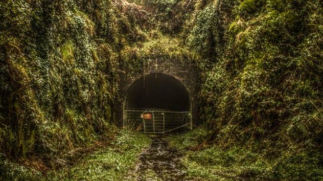 Top 10 tuneluri secrete și pasaje subterane din Irlanda
